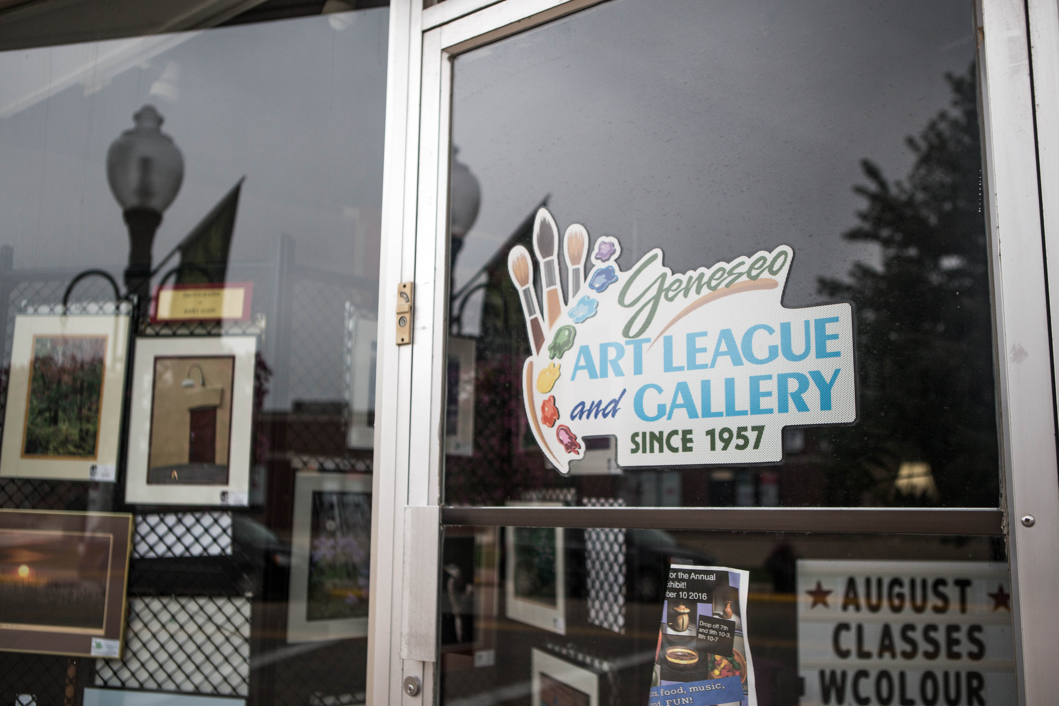 Established in 1957, the Geneseo Art League strives to keep art alive in its small town.<br> They also sponsor the yearly events such as the Maple City Fine Arts Show.